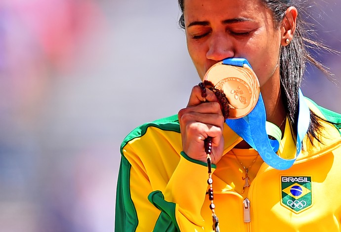Juliana dos Santos levou o ouro nos 5000 metros