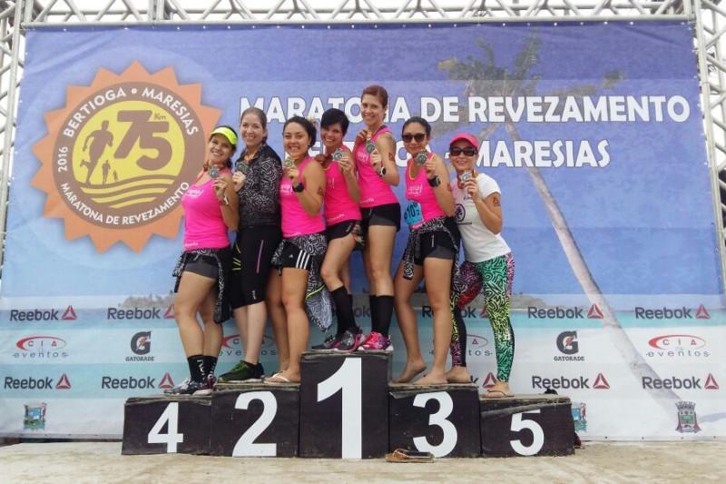 equipe-feminina-sexteto-revezamento-bertioga-maresias-reebok