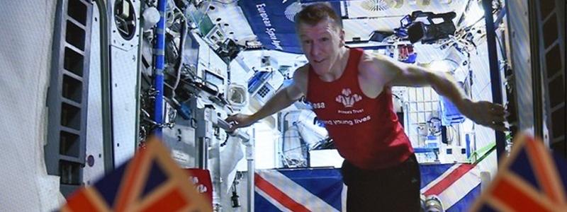 Astronauta britânico completa maratona no espaço