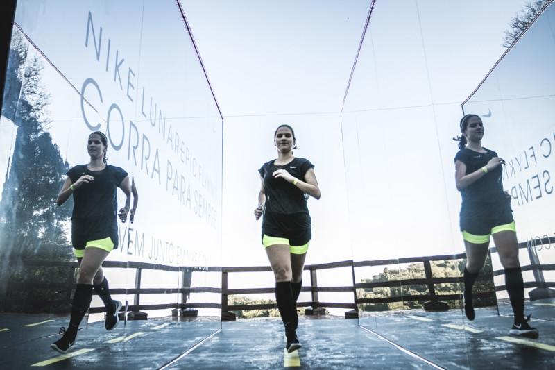 Brincando de garota-propaganda da Nike