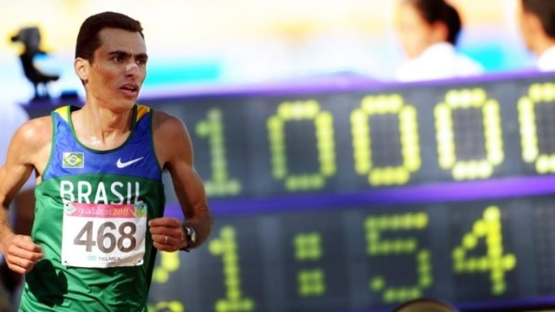 Marilson Gomes dos Santos completa o time de maratonistas brasileiros.